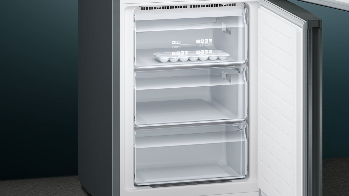 Kühlschrank Kombi : Siemens kg nxx a kühl gefrier kombi türen black inox